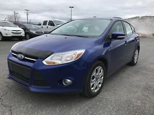 2012 Ford Focus SE **AUTO, A/C, CRUISE, BANCS CHAUFFANT**