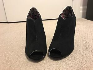 Black Christian Siriano for Payless Stilettos Size 8.5