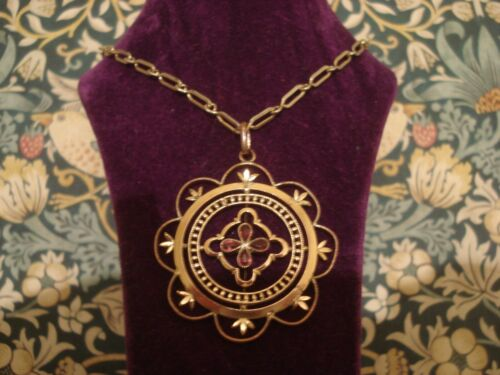 Beautiful & Finely Crafted Antique Edwardian: Rolled Gold Pendant Necklace
