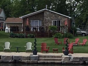 Water front house/cottage for rent St-Lawrence river October
