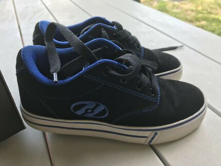 Heelys skate shoes