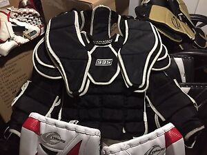 SIMMONS GOALIE CHEST PROTECTOR