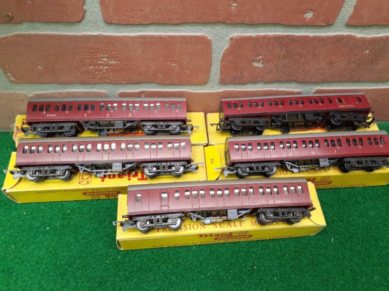 Triang Railways T.81 Suburban Brake 2nd Class Coach Lot