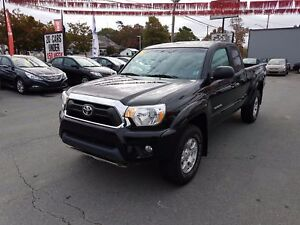 2014 Toyota Tacoma 4x4 TRD Off-Road Package LOW KMs!!