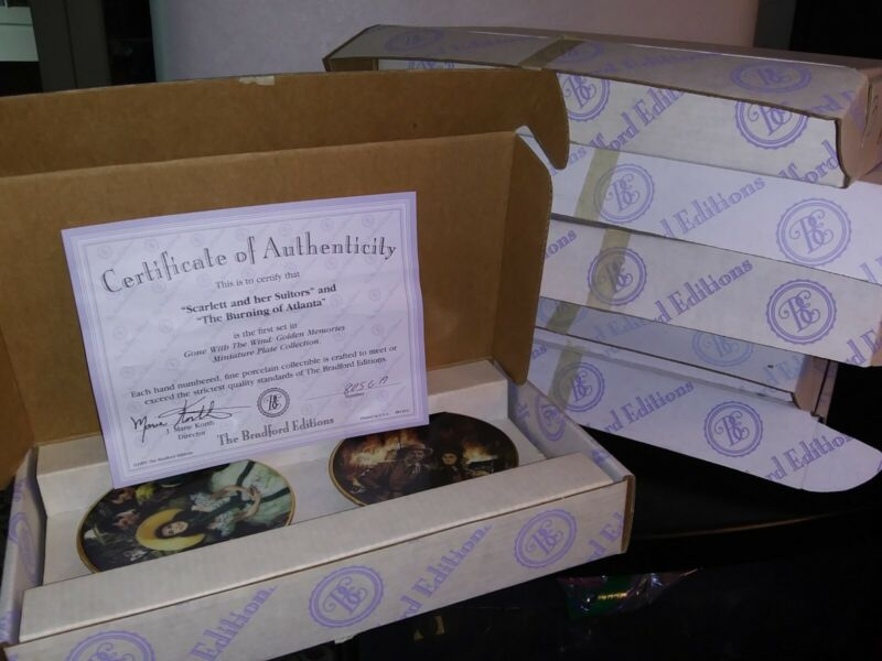 Gone With The Wind Golden Memories 12 Mini Plates Collection + Wall Display...