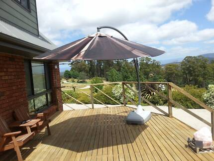 summer is coming you will need this cantilever sunshade umbrella
