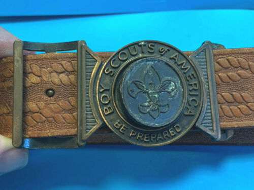 Old Vtg Collectible Boy Scout BSA Brown Leather Tooled Uniform Belt W/Buckle