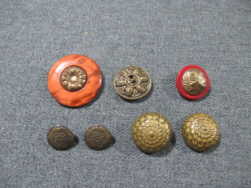 Vintage art deco marbled red galalith & goldtone metal buttons few with defects