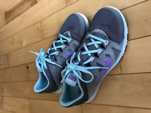 Nike cross trainer size 9.5