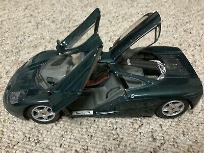 Maisto 1/18 Scale McLaren F1 Diecast Sports Car with Rear Spoiler, 1993, Green