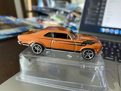 Hot Wheels 2009 Target Exclusive 1968 Nova ERROR All Small Wheels Loose 10-Pack