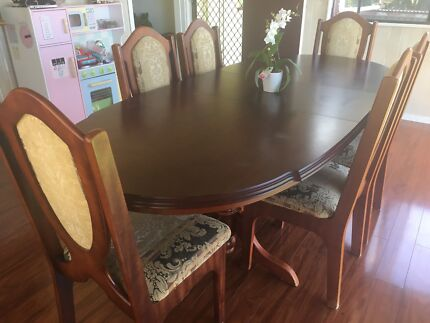 Toscana Extendable Table And Buffet