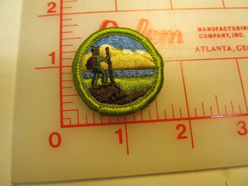 Rolled edge Type G HIKING merit badge patch (g9)