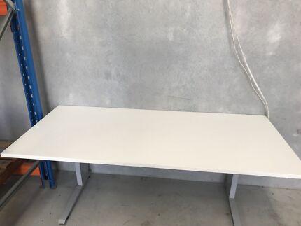 2 used desks