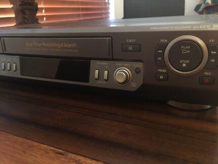 Sony Video Cassette Recorder SLV-EZ11