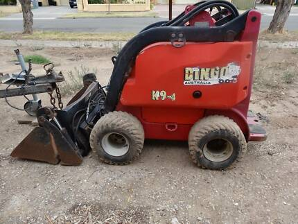 DINGO K9-4 MINI DIGGER WITH DUAL AXEL TRAILER