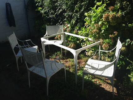 Garden table set with 4 chairs aluminium white