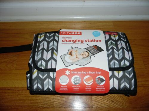 Skip Hop Pronto Changing Station Diaper Clutch w Wipe Container Chevron *NEW*