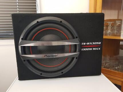 Pioneer 1300w Sub and Amp
