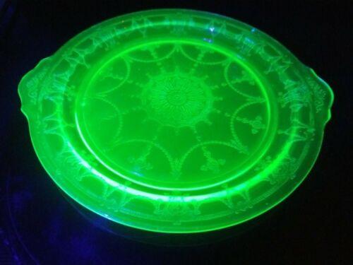 ANCHOR HOCKING - CAMEO BALLERINA - GREEN DEPRESSION GLASS TAB HANDLED CAKE PLATE