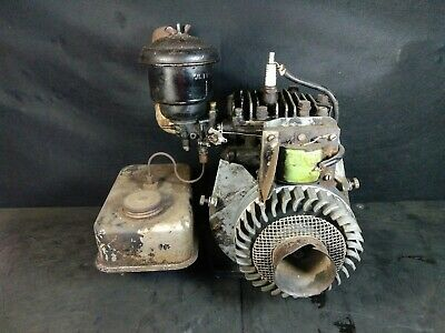 Vintage Briggs Stratton Wi Type 301100 Gas Engine Motor Antique Partsrepair