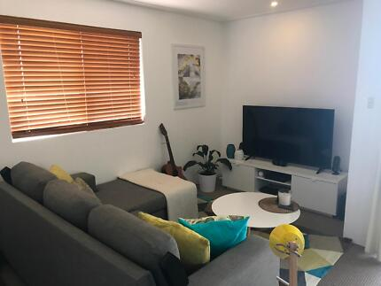 ## FLAT FOR RENT FOR 5 WEEKS HOLLYDAY ##