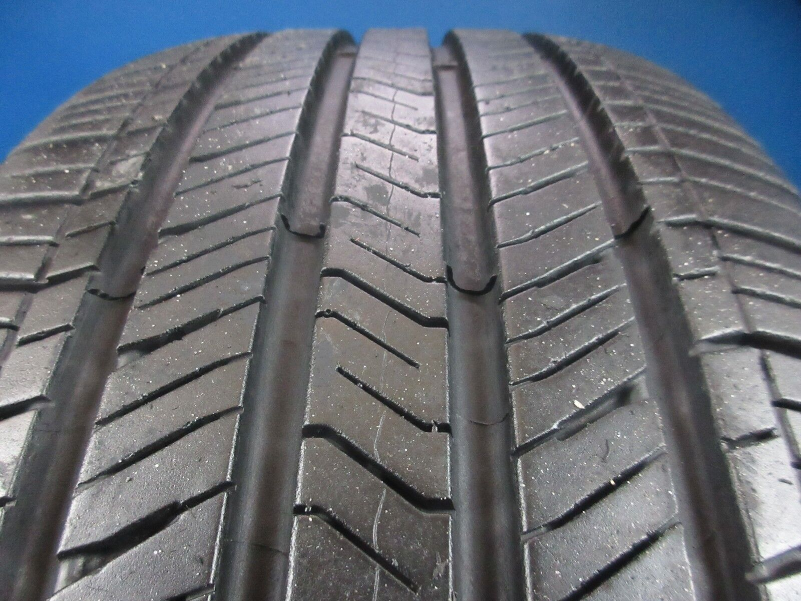 Used Goodyear Assurance Fuel Max   225 55 17   9/32 High Tread  2029C
