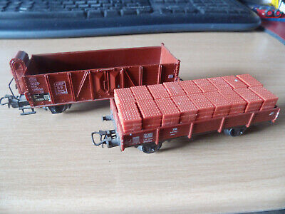 2 ältere Märklin Güterwagen Metall/KUNSTSTOFF:einer lose beladen.