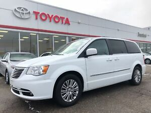 2016 Chrysler Town & Country Touring-Leather-Remote Start-BU Cam