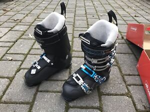 Nordica Woman Ski Boot Size 24.5 (size 6)