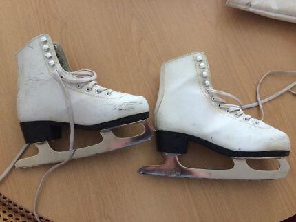 Second hand ice skates US 5 UK 35