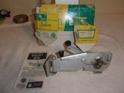 Vintage Dazey Deluxe Model 80 Wall Hand Crank Can Opener w Wall Bracket Screws!