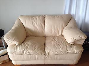 2 seater leather lounge Soldiers Point Port Stephens Area Preview