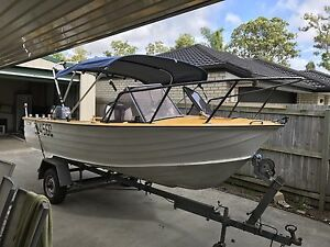 4.8M Savage aluminum boat with 2004 60hp Yamaha outboard Birkdale Redland Area Preview