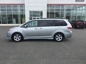 2019 Toyota Sienna LE 8-Passenger HEATED SEATS; BU CAMERA; P/...