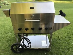 """Crown Verity 36"""" BBQ, Rotisserie & side table."""
