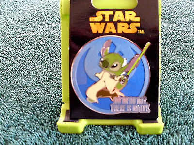 Disney * STAR WARS - STITCH - DO OR DO NOT * New on Card Character Trading Pin