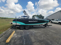2018 Mastercraft XT22 Low hours immaculate condition!