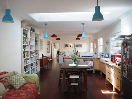 Beautiful Beachside Home - short term - Large sunny room plus sunroom