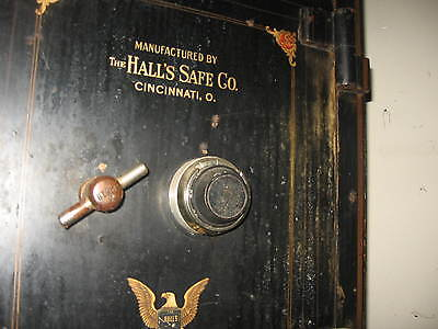 HALLS SAFE COMPANY - VINTAGE FLOOR SAFE - ANTIQUE - TACOMA TOWEL CO. - WORKS