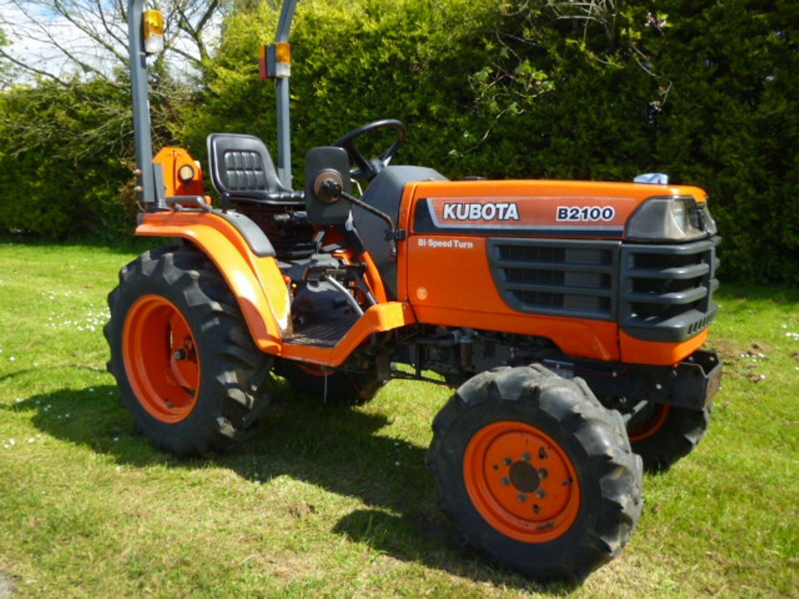 3 sur 8 Kubota B1700 - B2100 - B2400 Tractors Workshop Manual