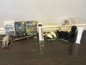 Wii - FullSet - and lots of extras $65