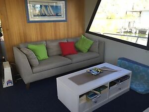 "Beautiful houseboat ""Uhuru"" Crafers Adelaide Hills Preview"