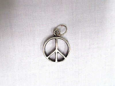 NEW CUTE SMALL SIZE PEACE SIGN SYMBOL HAND CAST PEWTER PENDANT ADJ CORD NECKLACE
