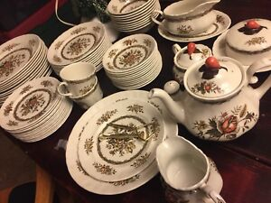 """Wood and Sons """"Rosedale""""  dishes set"""