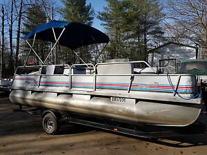 Pontoon boat 20 foot with a 40hp efi 4 stroke Princecraft