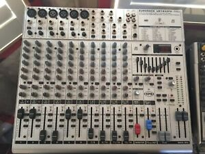 Behringer Eurorack UB1832 Mixer