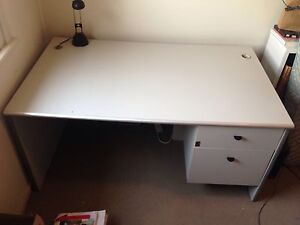 Desk and side table Bolwarra Heights Maitland Area Preview