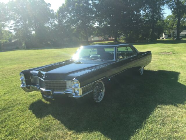 Image 1 of Cadillac: DeVille Black…