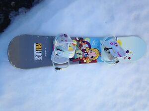 Girls 125 snowboard with bindings